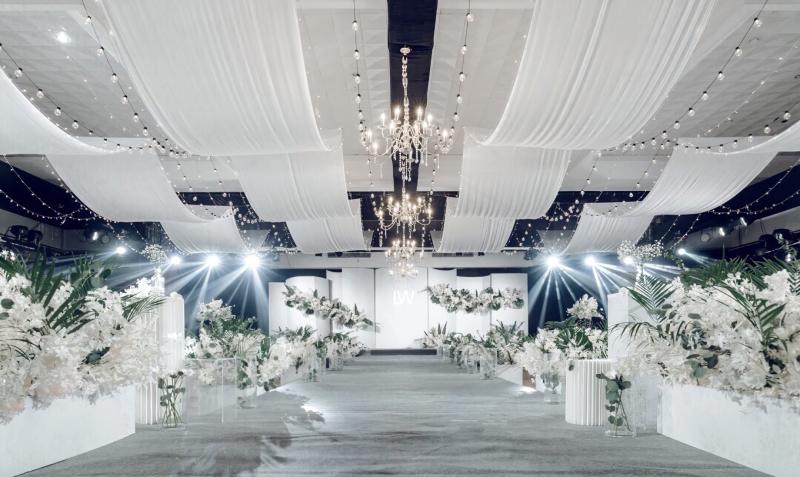 具有時尚秀感簡約分白綠色婚禮