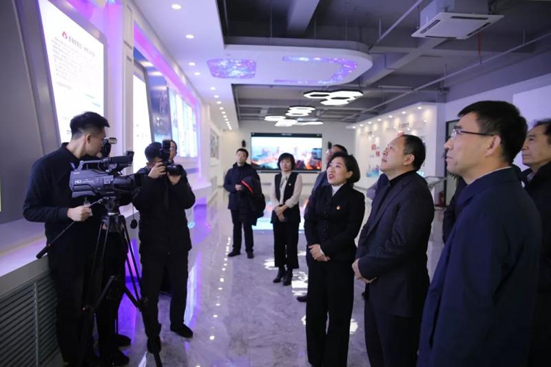 哈尔滨市委副书记、市长孙喆走进龙采点赞多项技术产品与成果