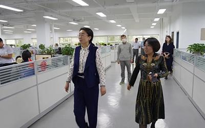 哈尔滨市贸促会会长姜晓宁来访龙采致力携手打造会展