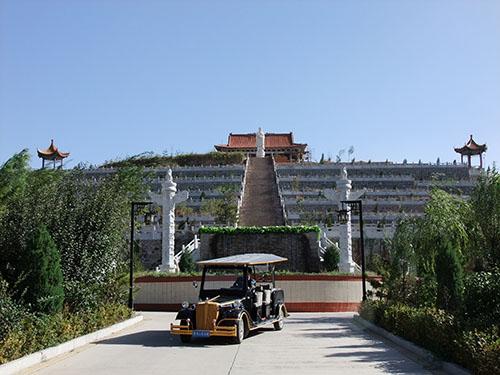 卧龙山公墓