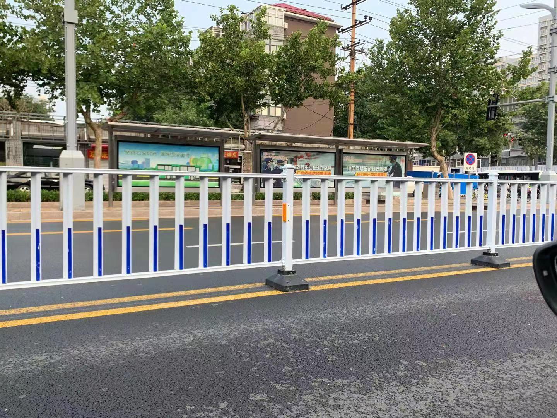交通护栏 (2)